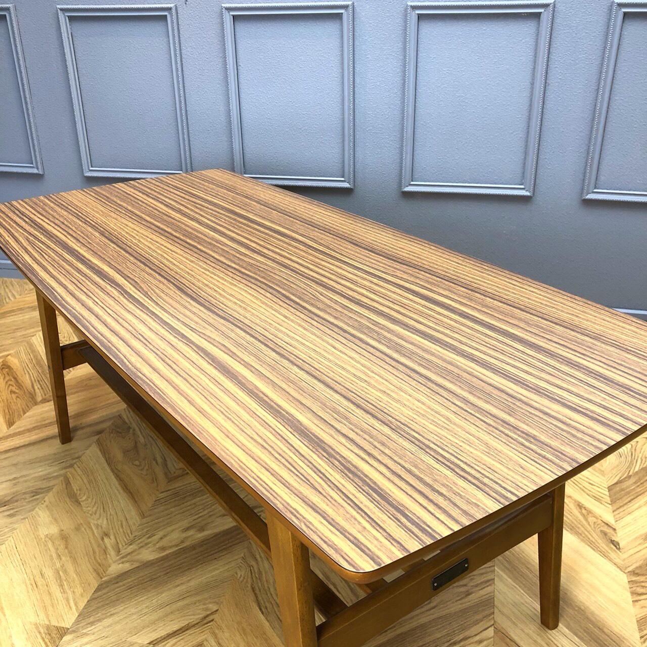 カリモク60 リビングテーブル2