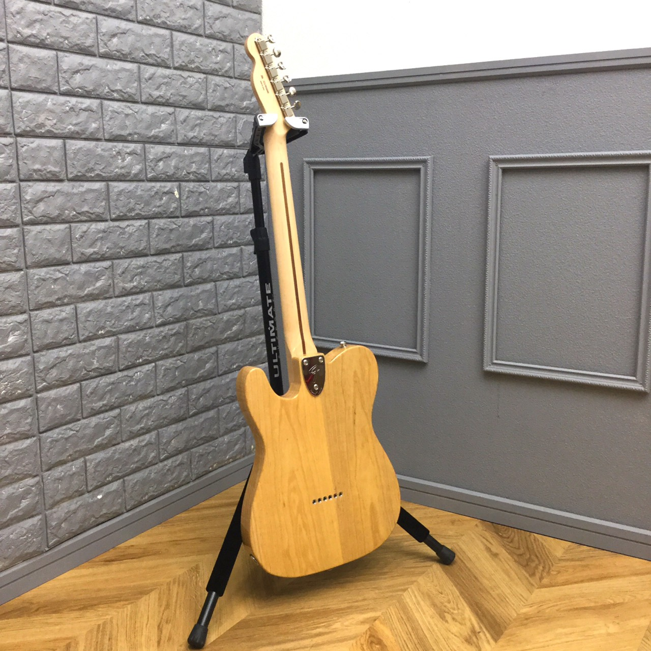 Fender Japan Traditional '70s Telecaster Thinline3